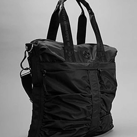 lululemon athletica Handbags - Lululemon | Fast in Flight Bag Black